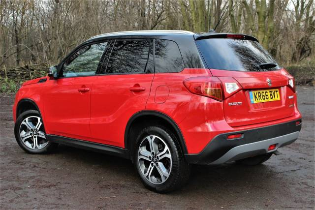 Suzuki Vitara 1.6 DDiS SZ5 ALLGRIP PAN ROOF, BLUE TOOTH Four Wheel Drive Diesel Bright Red/black Roof