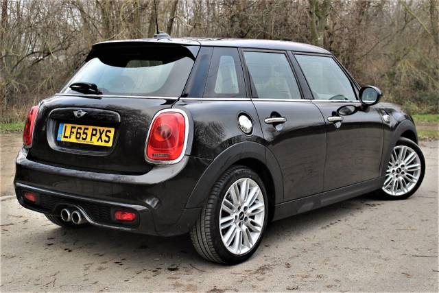 Mini Hatchback 2.0 Cooper S D 5dr, CHILIPACK, MEDIA PACK Hatchback Diesel Iced Chocolate Metallic